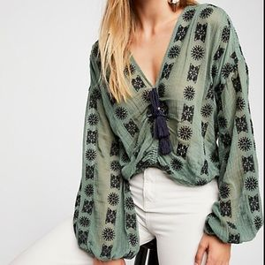 Free People You And Me Embroidered Top. Size Small